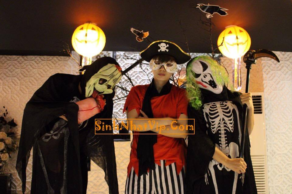 Trang trí Halloween huyền bí